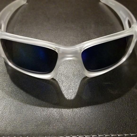 5cc8fee3a7 Men s Oakley sunglasses. M 5a598244b7f72b83d9a3cf22